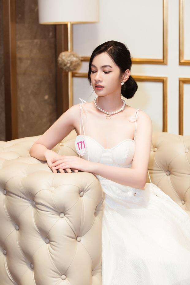 Top 60 Hoa hậu Việt Nam 2020 lần đầu hội ngộ đông đủ, đọ sắc cực gắt cùng khung hình: Nhìn là hiểu đấu trường visual năm nay đáng gờm thế nào! - Ảnh 9.