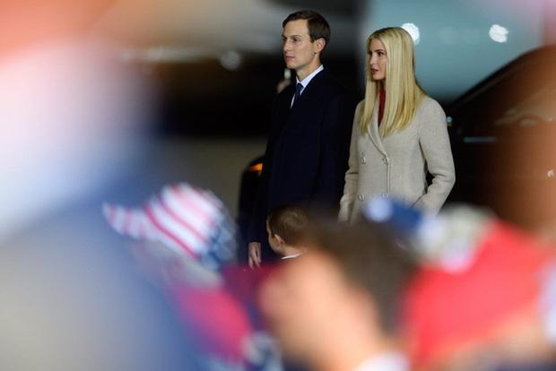 Tổng thống Mỹ vào viện và có thêm kết quả xét nghiệm Covid-19 của vợ chồng nữ thần Ivanka Trump - Ảnh 2.
