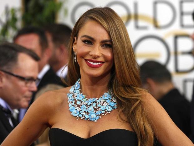 Forbes công bố BXH 10 nữ minh tinh cát-sê khủng nhất 2020: Angelina Jolie mất ngôi vương, cựu quán quân goá phụ đen mất hút - Ảnh 2.