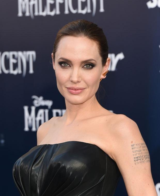 Forbes công bố BXH 10 nữ minh tinh cát-sê khủng nhất 2020: Angelina Jolie mất ngôi vương, cựu quán quân goá phụ đen mất hút - Ảnh 3.