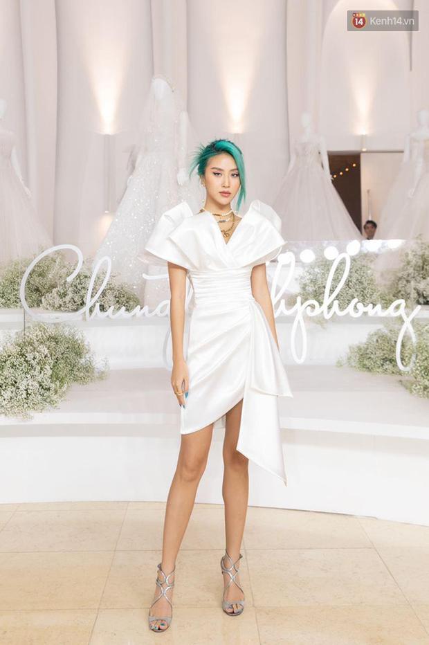Linh Ka lần đầu diện váy xẻ ngực hun hút chặt đẹp các đàn chị, Quỳnh Anh Shyn - Đức Phúc đọ tóc dự show Chung Thanh Phong - Ảnh 2.