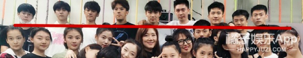 Ảnh tập thể tân SV Học viện Điện ảnh Bắc Kinh: Hoa khôi và dàn nữ sinh nổi bần bật, nam sinh lại khiến Cnet vỡ mộng - Ảnh 5.