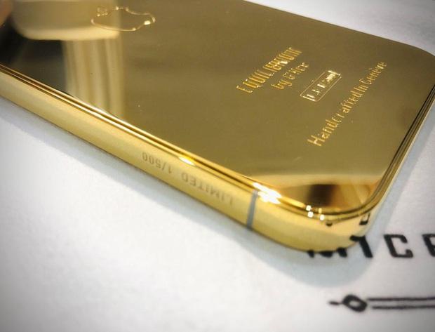 Ngắm ảnh thực tế iPhone 12 Pro mạ vàng đầu tiên trên thế giới được chế tác tại Việt Nam - Ảnh 2.