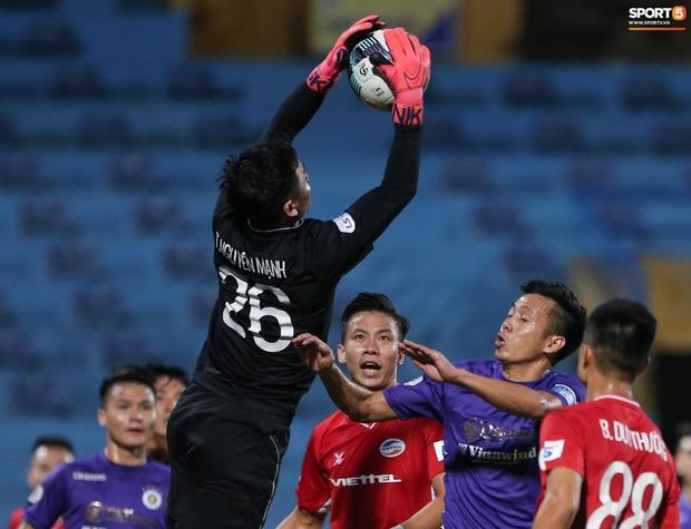 Quế Ngọc Hải nổi đoá, cùng Bùi Tiến Dũng mắng hội đồng cầu thủ Hà Nội FC - Ảnh 11.