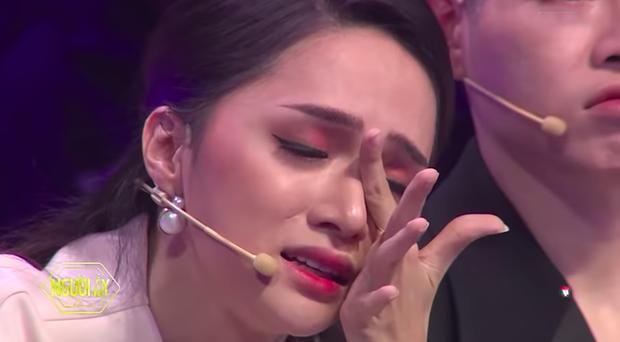 Ra đây mà nghe Hoa hậu Hương Giang cắt nghĩa thế nào là nói chuyện đạo lý, 100 triệu kết quả Google giải đáp cũng không hay bằng! - Ảnh 2.