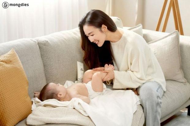 Choi Ji Woo gây xôn xao với diện mạo trong lần đầu lộ diện sau 5 tháng sinh con: Đúng là gái 1 con trông mòn con mắt! - Ảnh 3.