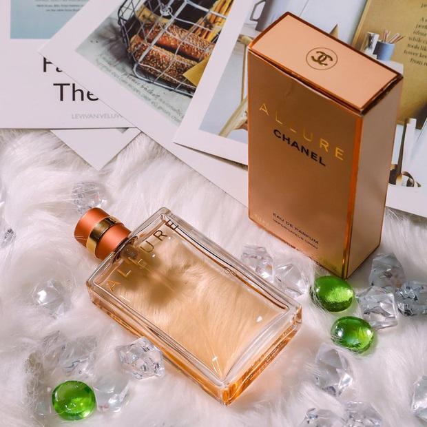 Nàng BTV chỉ ra 5 chai nước hoa Chanel đáng mua nhất cho những nàng công sở thời thượng - Ảnh 1.