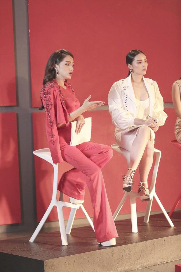 Loạt ồn ào chấn động của Hương Giang khi đi show: Vô lễ với tiền bối, gây tranh cãi về phát ngôn liên quan đến cộng đồng LGBT - Ảnh 4.