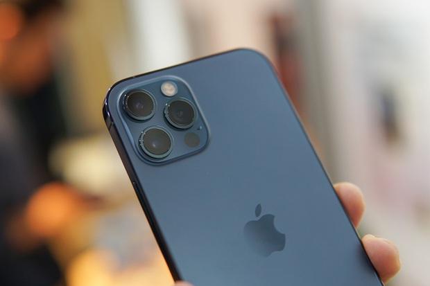 Bất chấp những lời kêu gọi tẩy chay Apple, iPhone 12 vẫn được dự báo là bom tấn tại Trung Quốc - Ảnh 1.