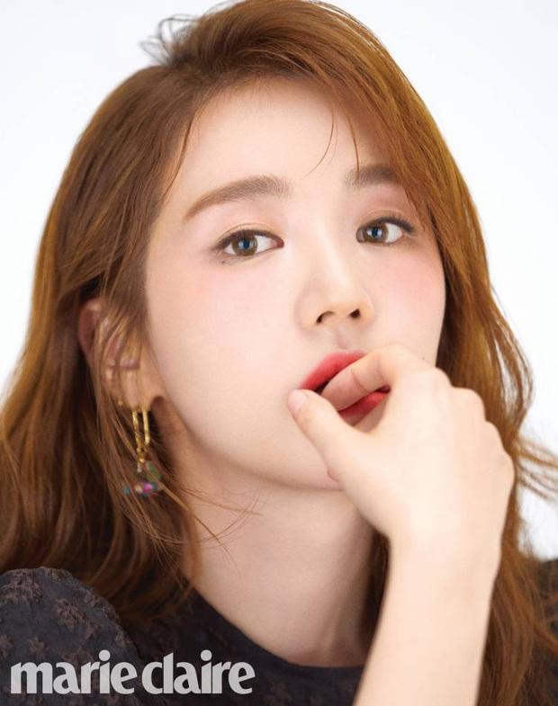 Lộ hậu trường chụp tạp chí của Yoon Eun Hye: Mặt đơ cứng không nhận ra, kéo đến ảnh A cut đã PTS cũng... không cứu nổi - Ảnh 4.