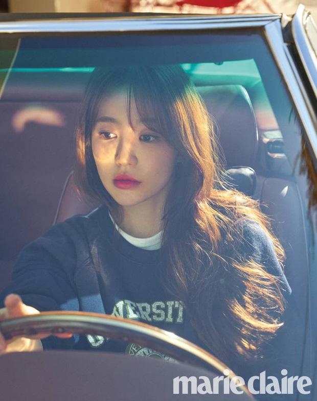 Lộ hậu trường chụp tạp chí của Yoon Eun Hye: Mặt đơ cứng không nhận ra, kéo đến ảnh A cut đã PTS cũng... không cứu nổi - Ảnh 7.