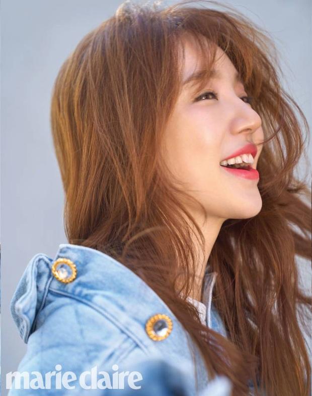 Lộ hậu trường chụp tạp chí của Yoon Eun Hye: Mặt đơ cứng không nhận ra, kéo đến ảnh A cut đã PTS cũng... không cứu nổi - Ảnh 6.