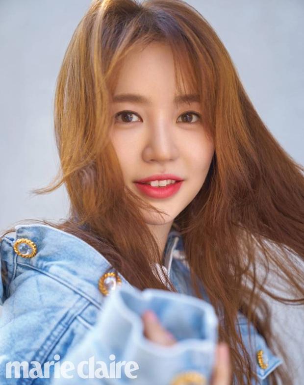 Lộ hậu trường chụp tạp chí của Yoon Eun Hye: Mặt đơ cứng không nhận ra, kéo đến ảnh A cut đã PTS cũng... không cứu nổi - Ảnh 5.