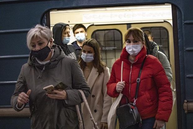 Nga ghi nhận kỷ lục trên 17.000 ca nhiễm COVID-19 mới trong ngày - Ảnh 2.