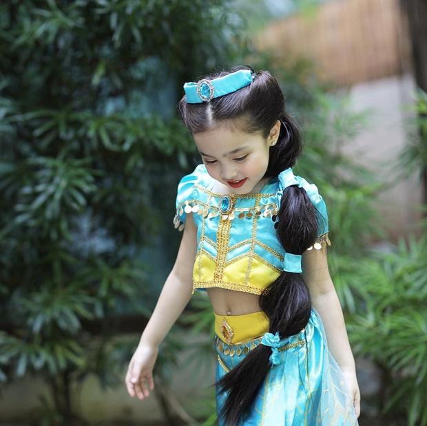 Netizen phát cuồng vì con gái mỹ nhân đẹp nhất Philippines hóa trang cho Halloween: Sao 4 tuổi mà visual đã đỉnh thế này? - Ảnh 2.