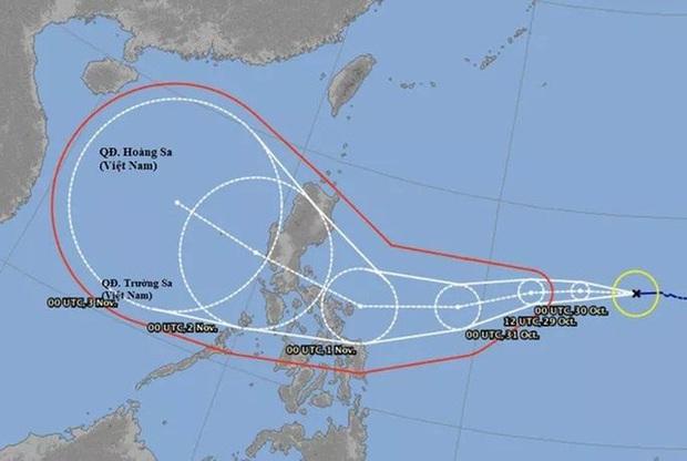 Bão Goni có hướng đi rất phức tạp, cường độ mạnh hơn bão số 9 nhiều lần - Ảnh 1.