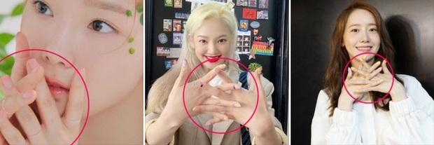 Thả hint comeback cho cố rồi cuối cùng đưa SNSD đi bán lịch, fan Việt truy sát trang FB của SM đòi công bằng cho các chị! - Ảnh 7.