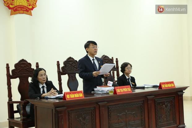 Mẹ mìn bắt cóc bé trai 2 tuổi ở Bắc Ninh bật khóc khi bị tuyên án 5 năm tù - Ảnh 19.