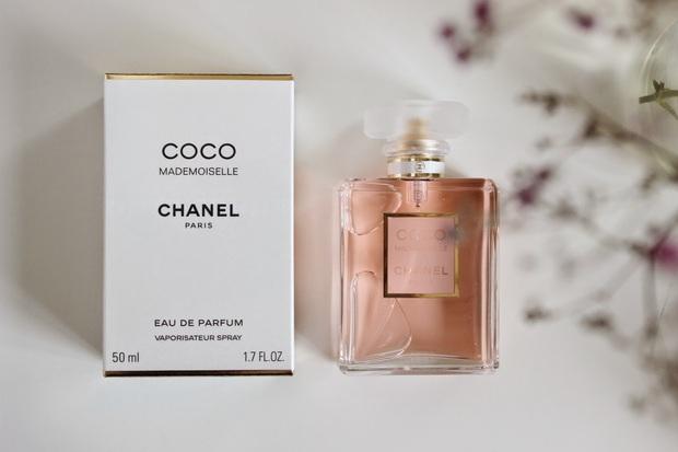 Nàng BTV chỉ ra 5 chai nước hoa Chanel đáng mua nhất cho những nàng công sở thời thượng - Ảnh 7.