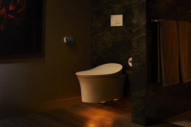 Dạo quanh phòng tắm công nghệ cao đặc biệt, nơi có thể điều khiển mọi thứ từ toilet đến gương bằng giọng nói với giá bán gần 400 triệu - Ảnh 4.