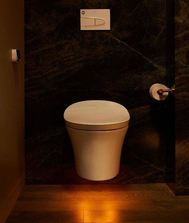 Dạo quanh phòng tắm công nghệ cao đặc biệt, nơi có thể điều khiển mọi thứ từ toilet đến gương bằng giọng nói với giá bán gần 400 triệu - Ảnh 9.