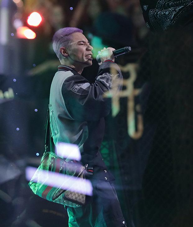 Karik chốt đơn cho MCK hát Giàu Vì Bạn, Sang Vì Vợ tại đám cưới, Suboi trổ tài đi đường quyền khi Tlinh đọc rap - Ảnh 2.
