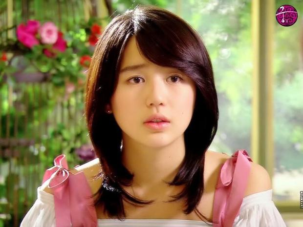 Lộ hậu trường chụp tạp chí của Yoon Eun Hye: Mặt đơ cứng không nhận ra, kéo đến ảnh A cut đã PTS cũng... không cứu nổi - Ảnh 12.