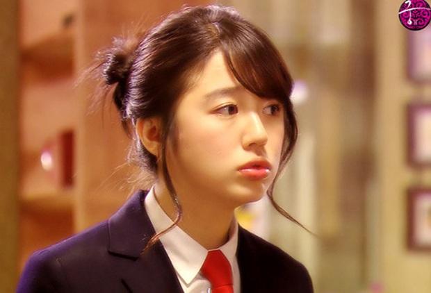 Lộ hậu trường chụp tạp chí của Yoon Eun Hye: Mặt đơ cứng không nhận ra, kéo đến ảnh A cut đã PTS cũng... không cứu nổi - Ảnh 11.