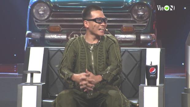 Yuno Bigboi trùm đầu y chang thầy Binz rồi khẳng định Gu Của Anh Là Châu Á, Karik gọi tên Châu Bùi làm Bigcityboi đỏ cả mặt - Ảnh 12.