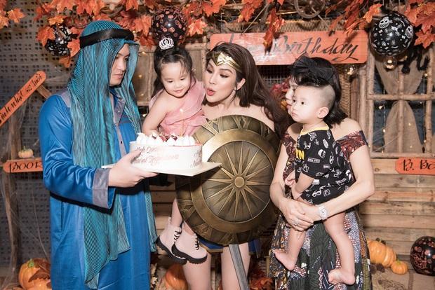 Dàn sao hoá trang Halloween trong tiệc sinh nhật nhà Diệp Lâm Anh: Kỳ Duyên - Minh Triệu sexy, vợ chồng Cường Đô La cũng có mặt - Ảnh 6.