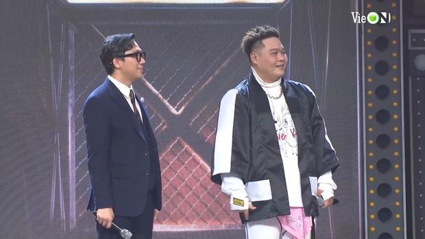Yuno Bigboi trùm đầu y chang thầy Binz rồi khẳng định Gu Của Anh Là Châu Á, Karik gọi tên Châu Bùi làm Bigcityboi đỏ cả mặt - Ảnh 8.