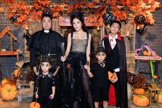 Dàn sao hoá trang Halloween trong tiệc sinh nhật nhà Diệp Lâm Anh: Kỳ Duyên - Minh Triệu sexy, vợ chồng Cường Đô La cũng có mặt - Ảnh 4.