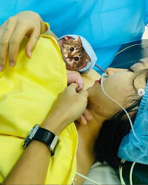 Uyên Pu trải lòng sau 7 ngày làm mẹ, dân tình chỉ chằm chằm vào thân hình quá đáng ngưỡng mộ - Ảnh 3.