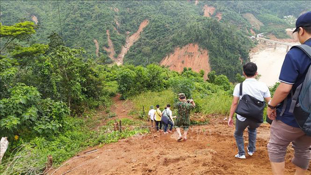 Mất liên lạc hoàn toàn với xã Phước Lộc (Phước Sơn, Quảng Nam) - Ảnh 1.