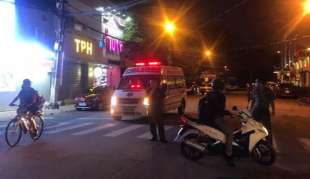 Cháy khách sạn có người đang cách ly phòng dịch COVID-19 tại TP.HCM - Ảnh 1.