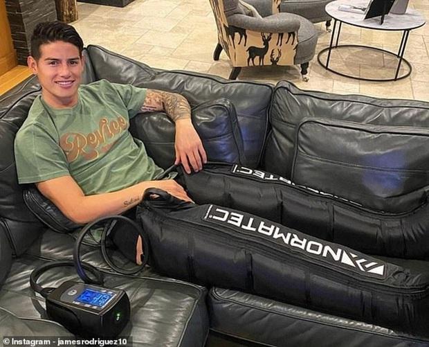 Dính chấn thương hiểm với nam giới, cầu thủ điển trai James Rodriguez được nữ diễn viên phim nóng trấn an - Ảnh 1.