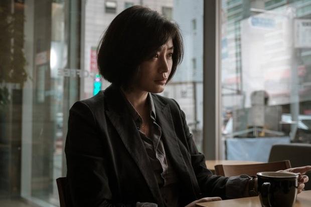 Lần đấu đóng chính phim điện ảnh, Krystal đạp đổ spotlight của chị đại Kim Hye Soo ở phòng vé Hàn tháng 11? - Ảnh 11.