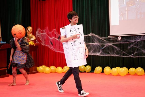 Những màn hóa trang siêu dị của học sinh ngày Halloween, thầy cô cũng lầy lội chẳng kém - Ảnh 8.