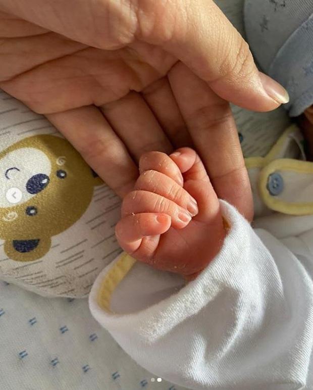 Uyên Pu trải lòng sau 7 ngày làm mẹ, dân tình chỉ chằm chằm vào thân hình quá đáng ngưỡng mộ - Ảnh 4.