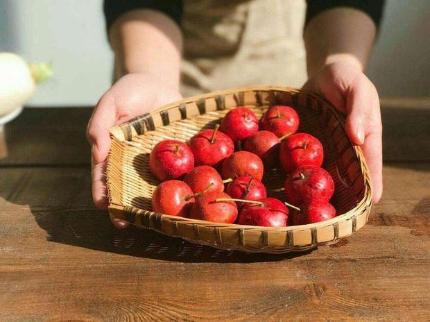4 loại trái cây chị em không nên ăn trong kỳ kinh nguyệt để tránh tổn hại sức khỏe - Ảnh 4.
