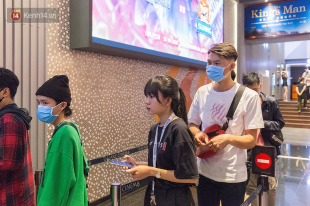 Giới trẻ Sài Gòn, Hà Nội tưng bừng dự offline xem CKTG 2020, chờ SofM viết nên lịch sử - Ảnh 4.