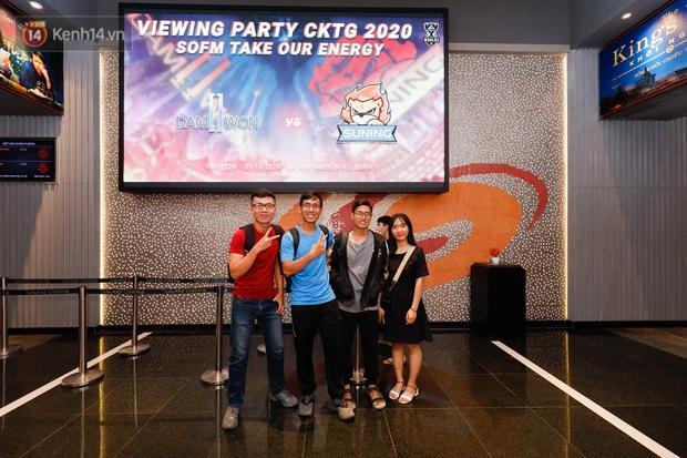 Giới trẻ Sài Gòn, Hà Nội tưng bừng dự offline xem CKTG 2020, chờ SofM viết nên lịch sử - Ảnh 5.