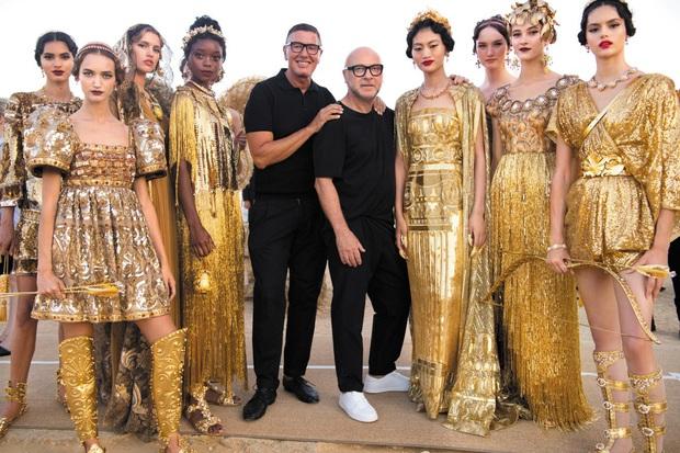 Dolce&Gabbana: Đế chế tạo nên từ chuyện tình hơn 20 năm của 2 ông hoàng thời trang, chia tay lại gây xôn xao vì lời tuyên bố về người yêu cũ - Ảnh 8.