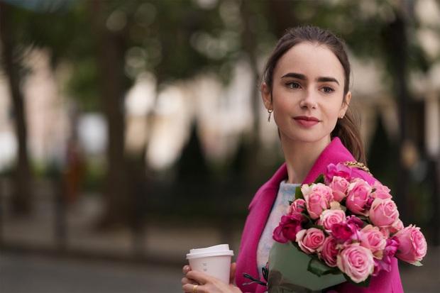 Fan Việt phát sốt cuối tuần với Emily Ở Paris: Lily Collins xinh đáo để giữa lòng nước Pháp, nội dung lại là điểm trừ lớn nhất? - Ảnh 1.