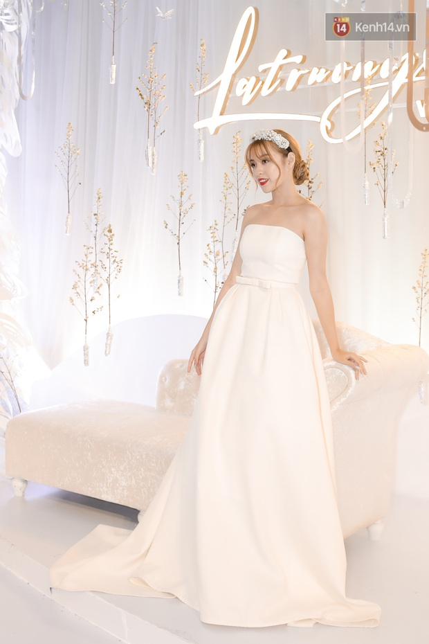 """Thảm đỏ cực gắt tối nay: Hot girl """"trứng rán cần mỡ"""" như cô dâu, Lynk Lee diện váy xuyên thấu xẻ sâu hiểm hóc - Ảnh 4."""