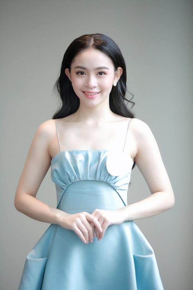 2 gái xinh RMIT lọt vào bán kết Hoa hậu Việt Nam: Người du học Anh năm 16 tuổi, người giành học bổng đại học toàn phần  - Ảnh 1.