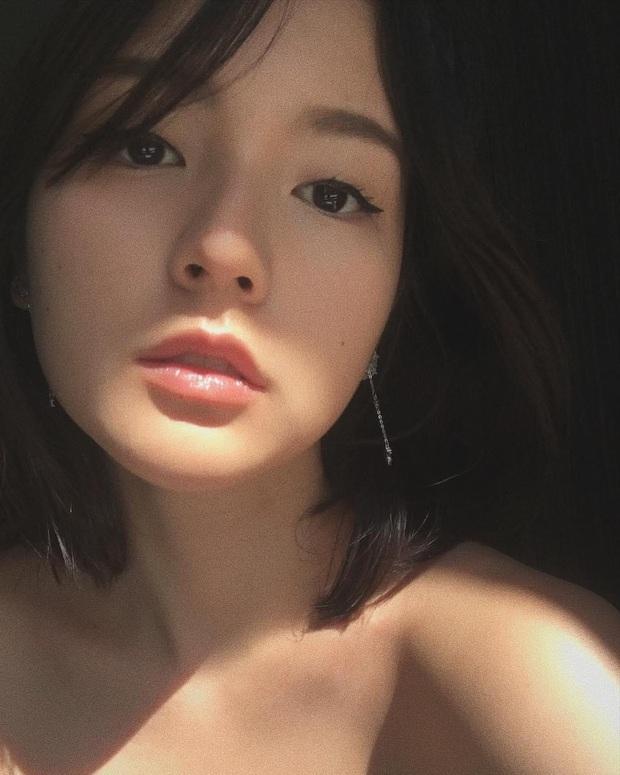 Tất tần tật về nữ diễn viên độc quyền của công ty Sơn Tùng M-TP: Không cần ngực khủng vẫn quá sexy, nàng thơ khí chất mê mẩn! - Ảnh 8.