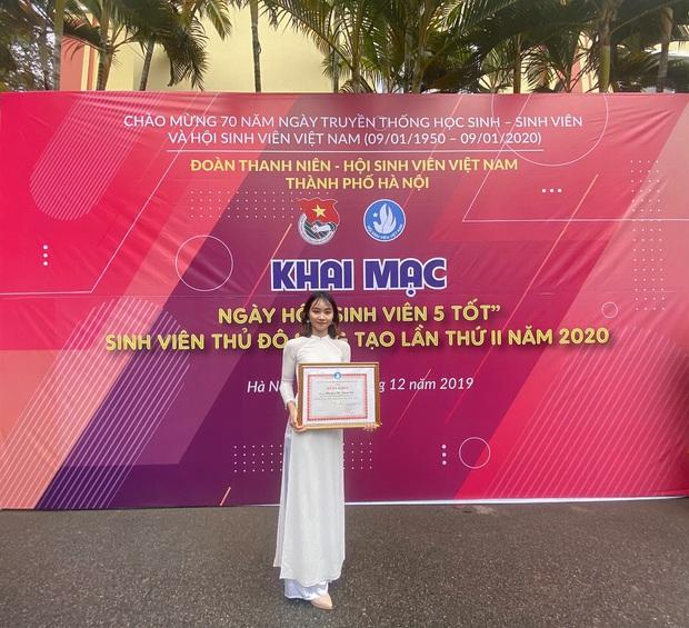 Tân cử nhân Kiểm toán duy nhất của ĐH Kinh tế Quốc dân tốt nghiệp thần tốc sau 3 năm, vừa nhận bằng Giỏi vừa là Đảng viên - Ảnh 6.