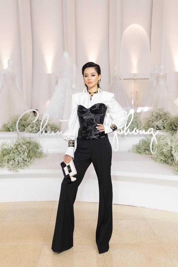 Linh Ka lần đầu diện váy xẻ ngực hun hút chặt đẹp các đàn chị, Quỳnh Anh Shyn - Đức Phúc đọ tóc dự show Chung Thanh Phong - Ảnh 8.