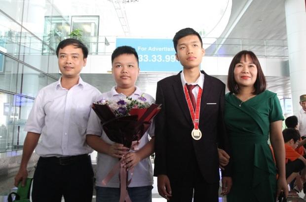 Đạt điểm tuyệt đối tại Olympic Tin học châu Á: Ngã rẽ của chàng trai chuyên Toán - Ảnh 1.